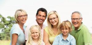 Famile mit Brillen