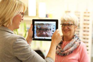 Genaueste Brillenglaszentrierung für Ihr gutes Sehen